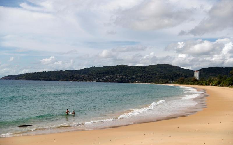 Bùng phát Covid-19, Thái Lan cân nhắc điều chỉnh kế hoạch mở cửa du lịch