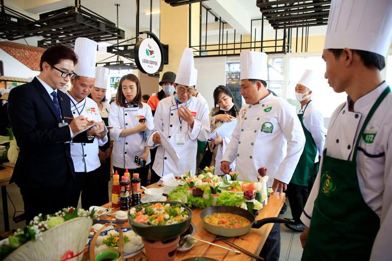 """Lâm Đồng: Những """"bức tranh"""" ẩm thực rau hoa"""
